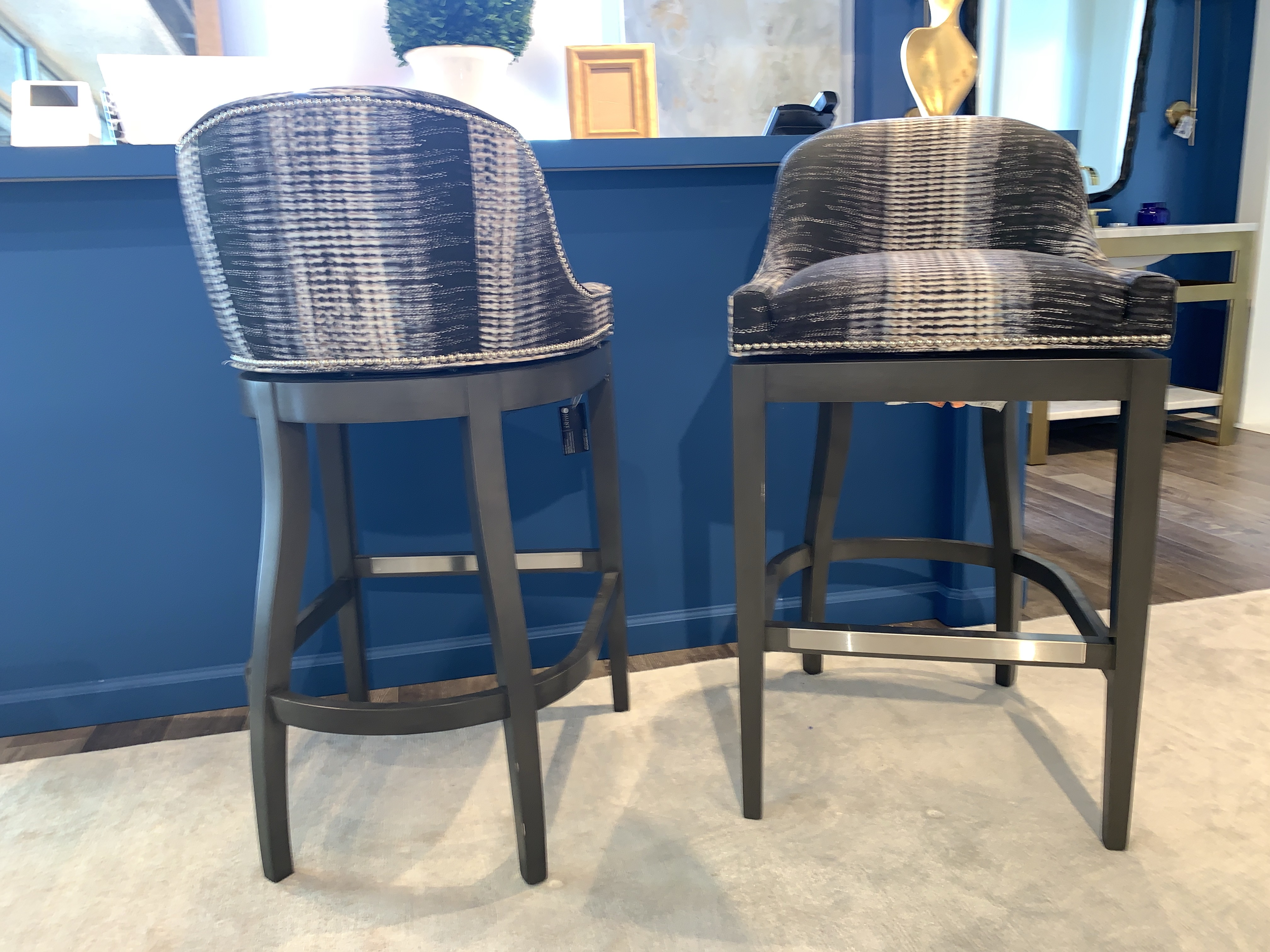 Pleasing Barstools By Vanguard Hunt Alphanode Cool Chair Designs And Ideas Alphanodeonline